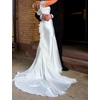 Top-tips-bridal-style-how-to-buy-a-gently-used-wedding-dress-vera-wang.square