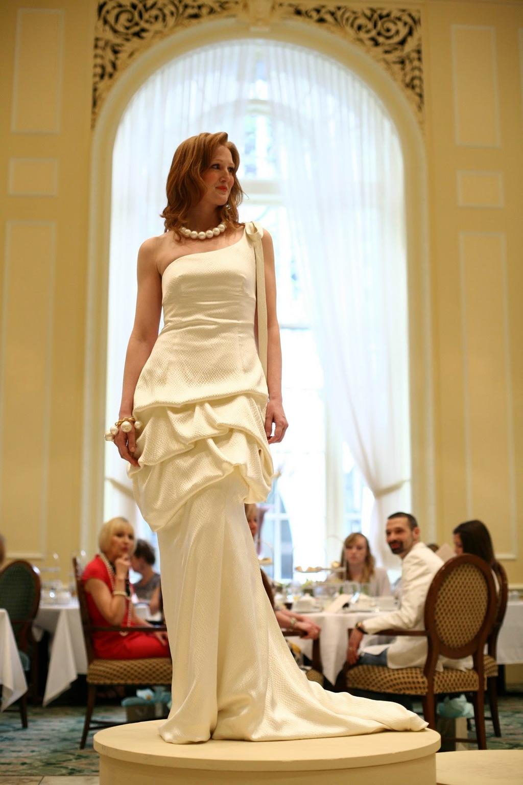Ivory-one-shoulder-wedding-dress-with-mermaid-skirt.full