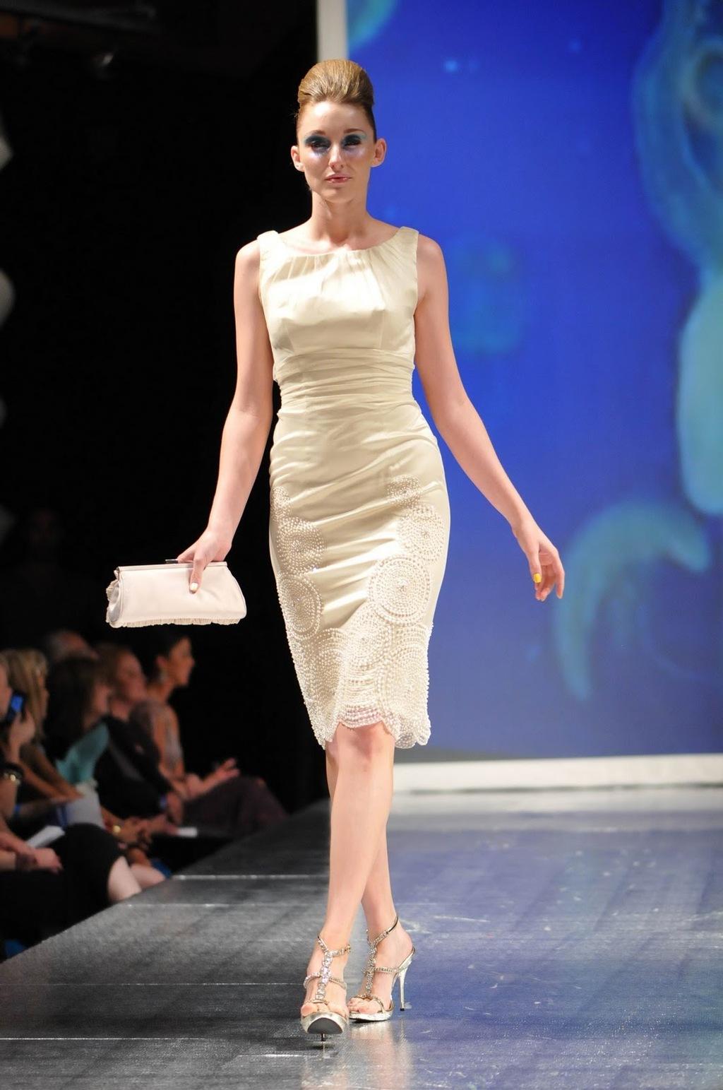 Luly-yang-2011-wedding-dress-inspireation-ocean-white-strapless-3.full