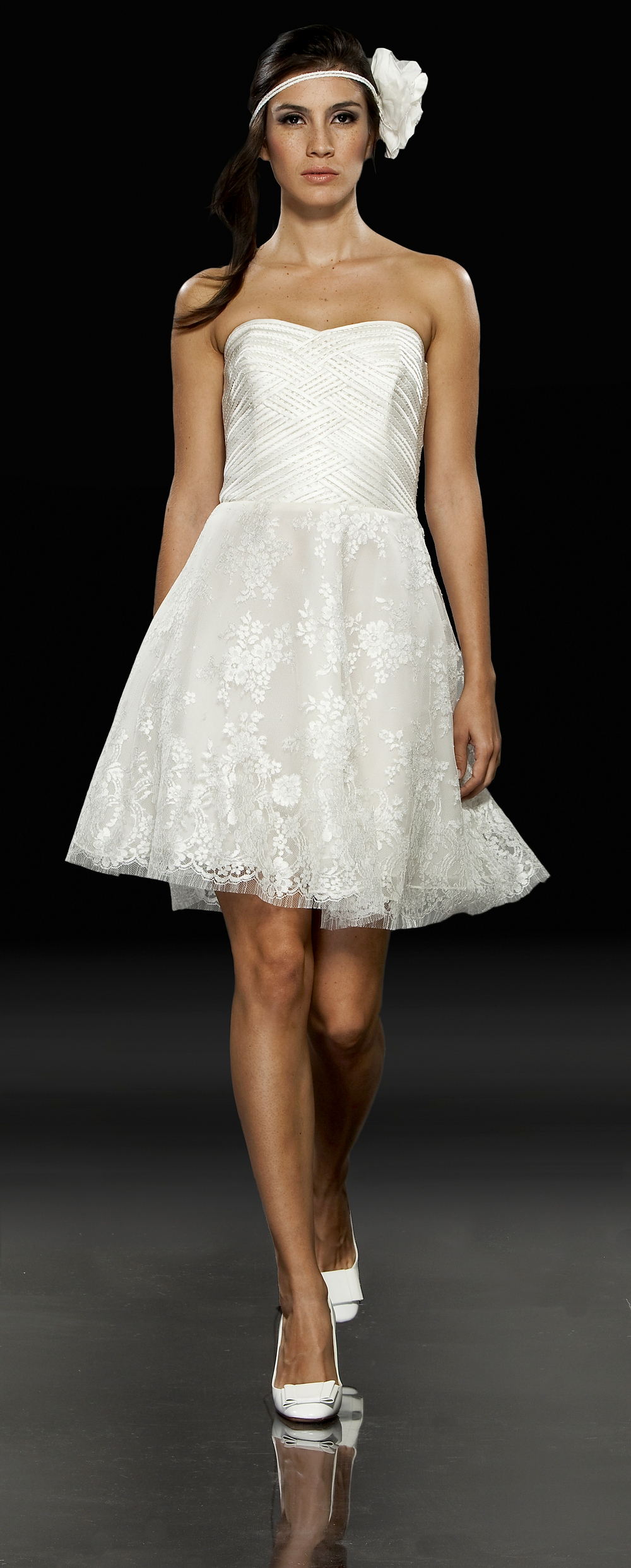 White Mini Wedding Reception Dress With Lace Skirt And Strapless Neckline O