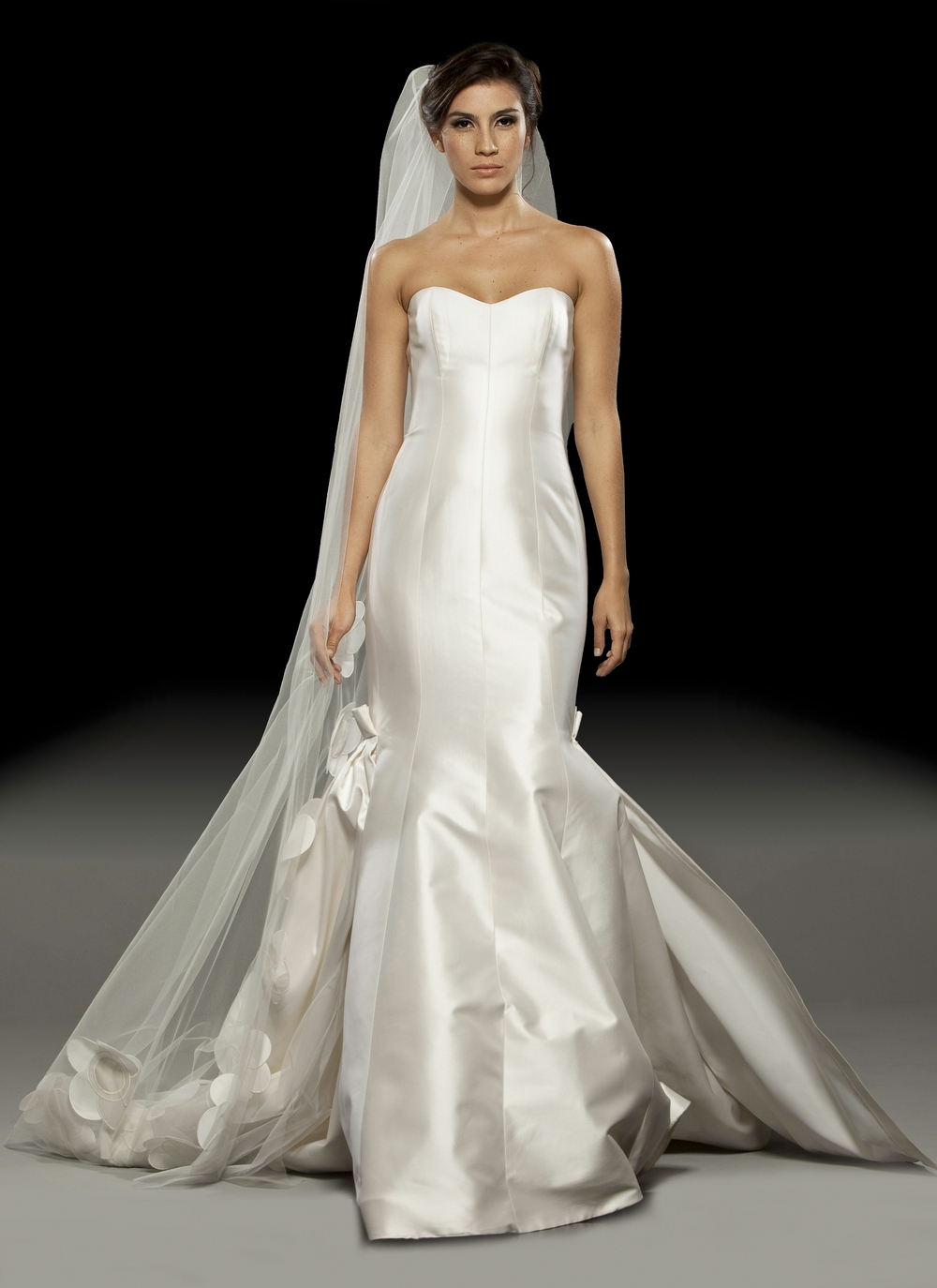 Ivory silk shantung sweetheart neckline 2011 mermaid for Satin mermaid style wedding dresses