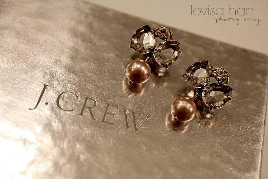 Pasadena-ca-outdoor-wedding-j.crew-bridal-jewelry-earrings.full
