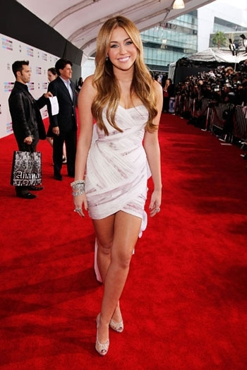 photo of Red Carpet Style from 2010 AMAs- White Marchesa Mini, Sheer in Elie Saab