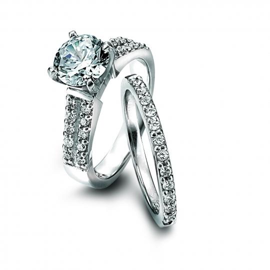 Lieberfarb-platinum-diamond-engagement-ring-affordable-platinum.full