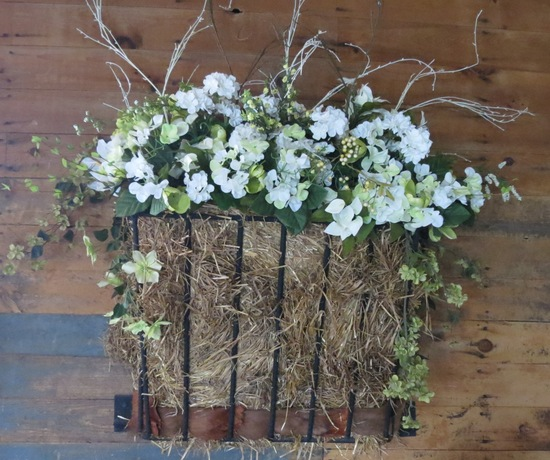 Floral arrangement in Wedding Barn