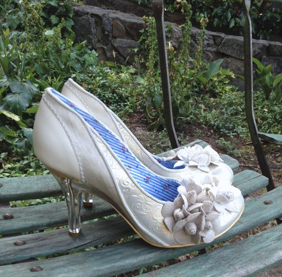 IRREGULAR CHOICE-MRS LOWER-WEDDING PUMP