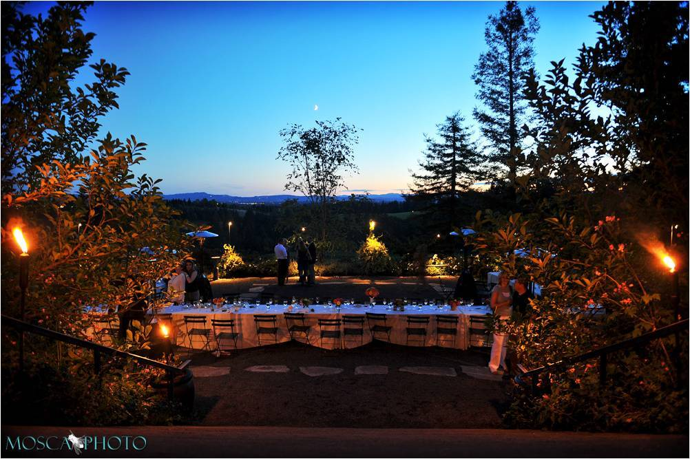 Portland or vineyard wedding venue during sunset gorgeous portland or vineyard wedding venue during sunset junglespirit Images