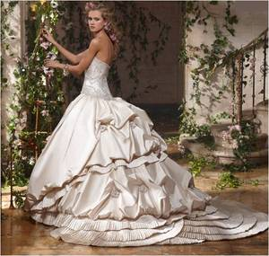 photo of 2011 Wedding Dress Trend: Big Ball Gowns, Endless Volume