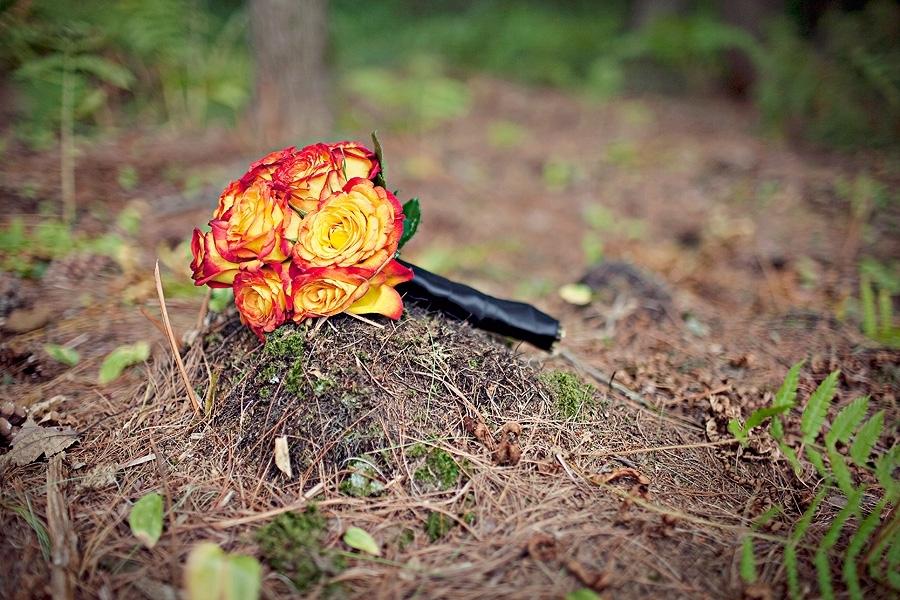 New-hampshire-rustic-wedding-vibrant-orange-bridal-bouquet.full