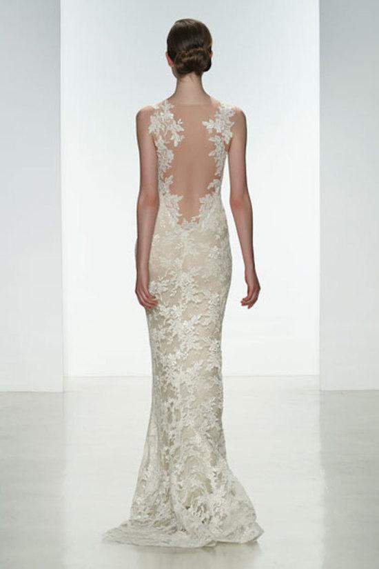 photo of Back lace appliqué
