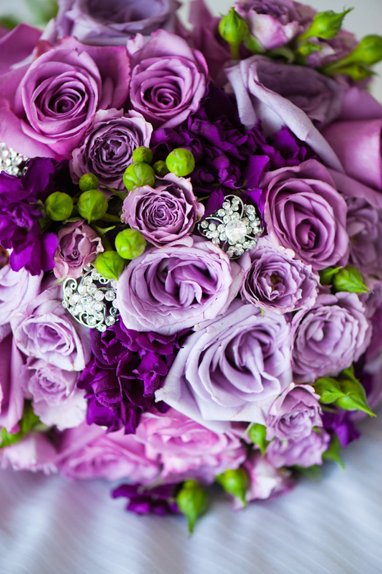 Purple_roses_bouquet.full