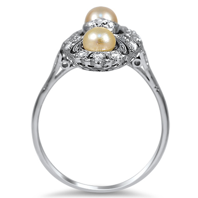 Diamonds_and_pearls_with_a_lacy_design.full