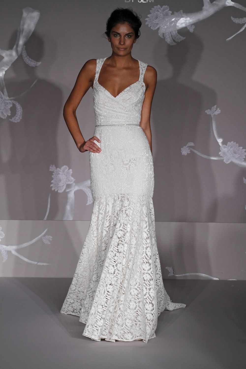 All Lace White Mermaid Wedding Dress With V Neckline And Rhinestone