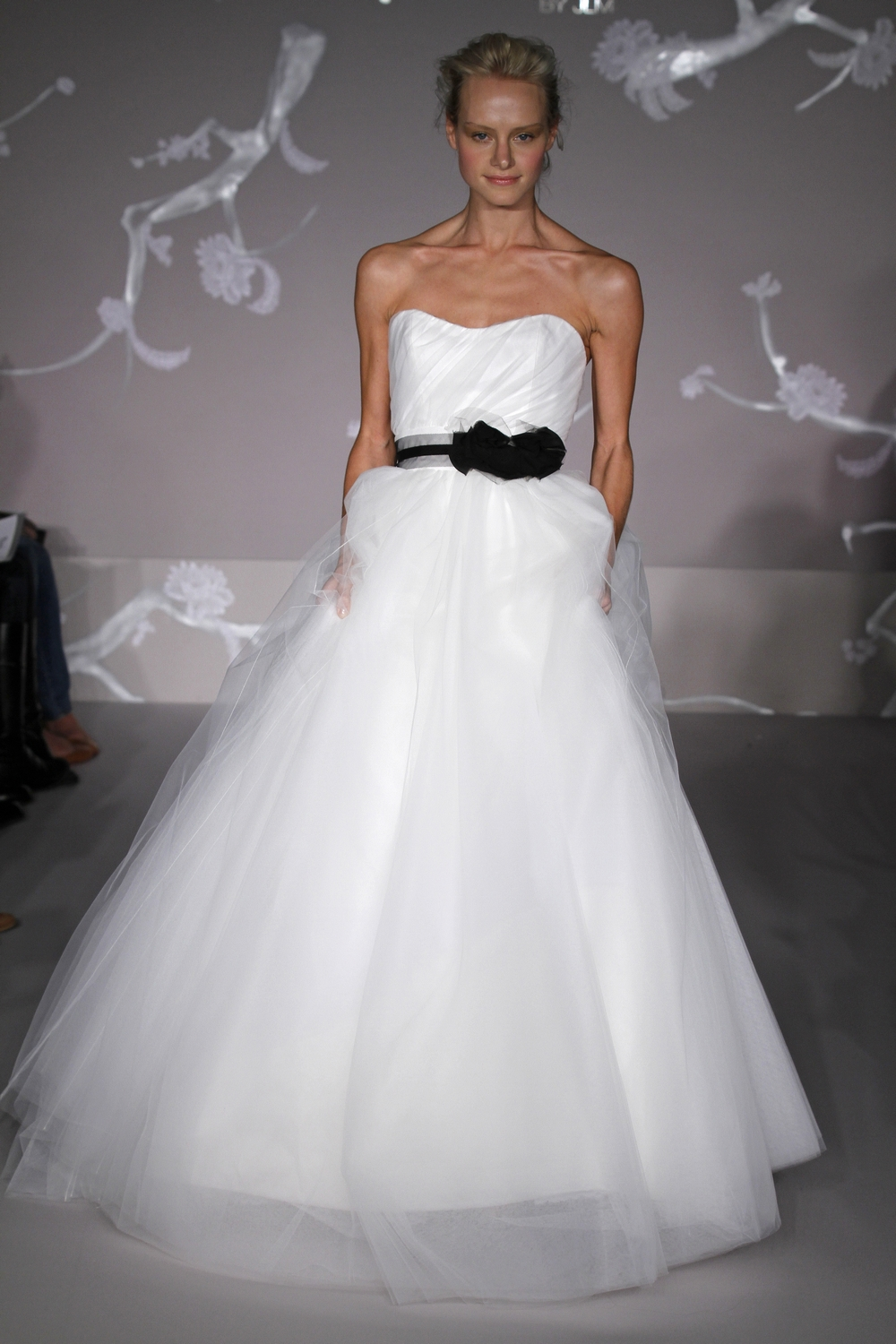 Gorgeous white ball gown wedding dress with tulle skirt for Wedding dresses with sashes