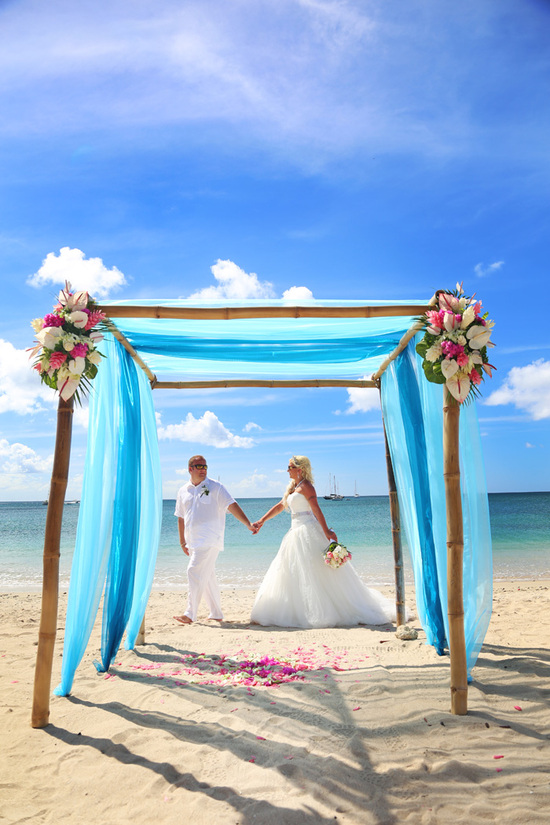 Tropical Caribbean island destination wedding beach