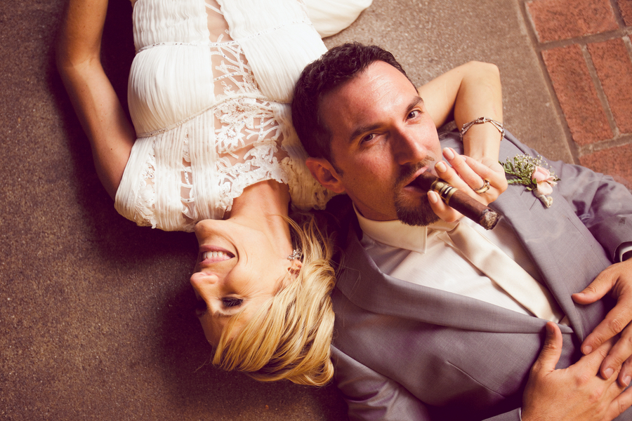 Adorable_real_couple_with_cigars.full