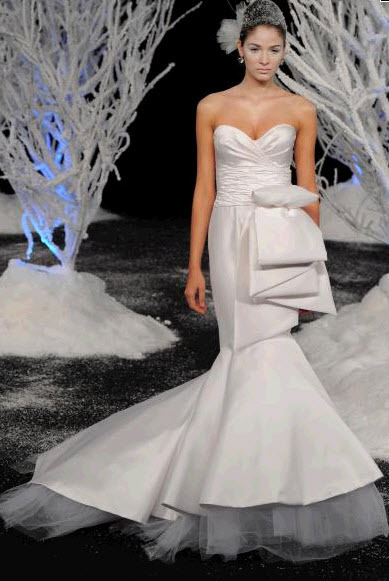 Fall-2011-douglas-hannant-wedding-dress-13-sweetheart-neckline-satin-tulle-mermaid.full