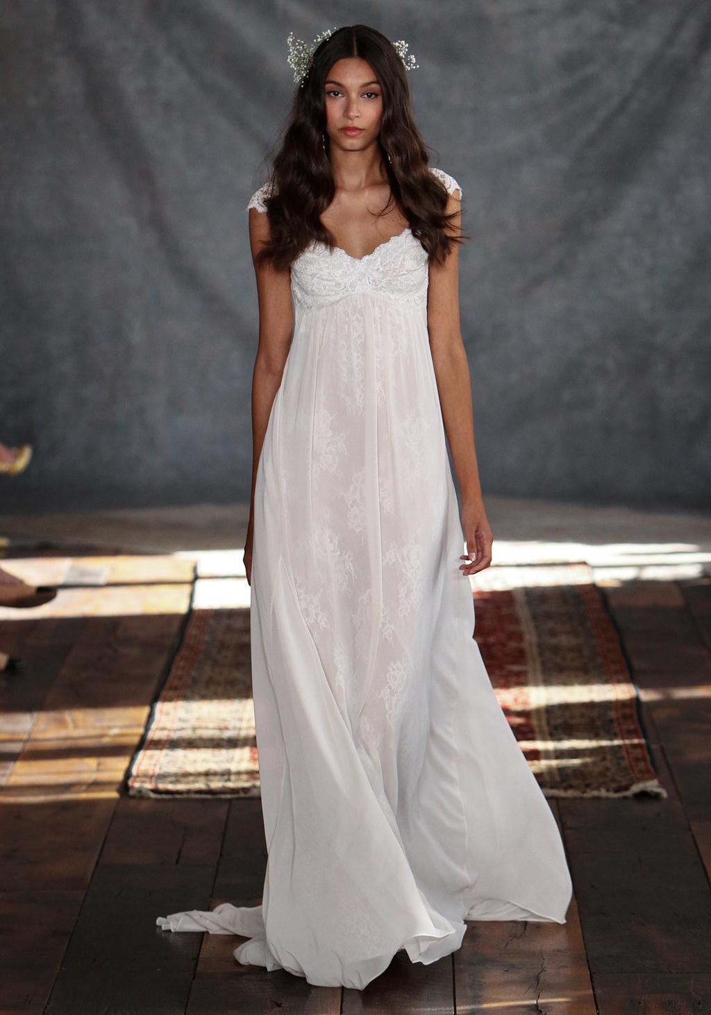 Phaedra_wedding_dress_from_claire_pettibones_romantique_collection.full