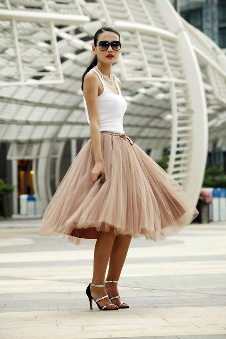 Ballerina_inspired_tulle_skirt.full