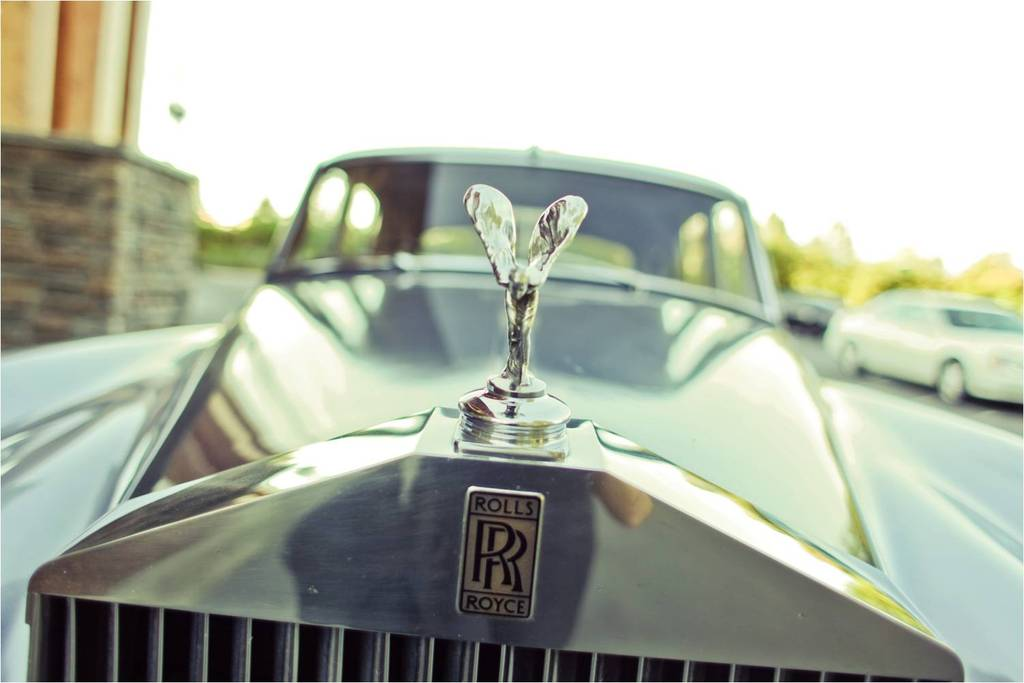 Antique-vintage-wedding-transportation-old-rolls-royce.full