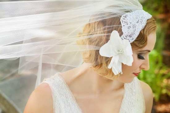 Lace Veil with Flower Detail