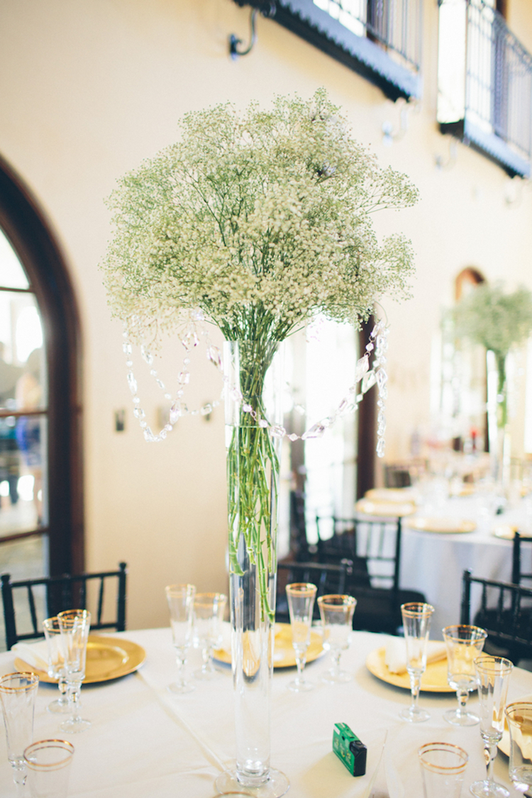 Gorgeous_babys_breath_centerpiece_with_hanging_jewels.full
