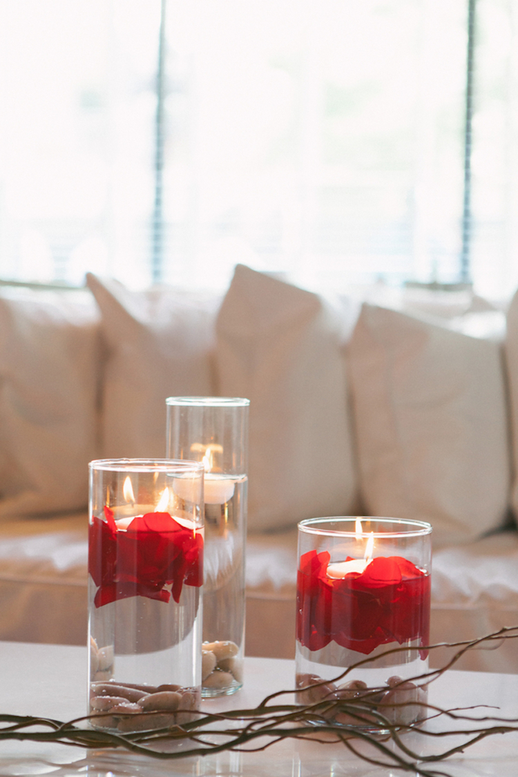 Floating_candles_with_rose_petals.full