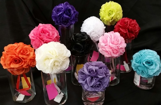 Bride To Be Consignment Bloomington Minnesota Wedding Store Dresses Centerpiece Decorations Sale Hangers (2)