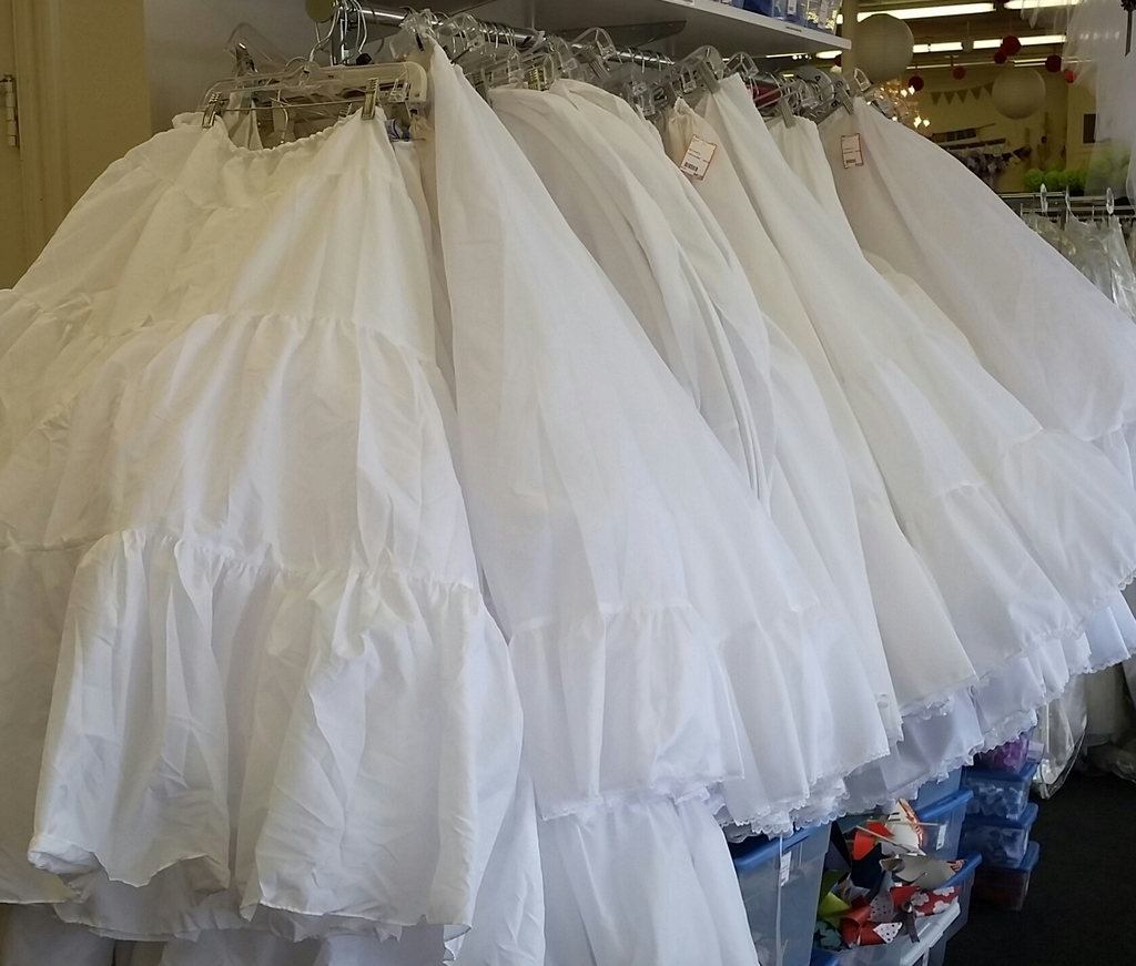 Bride to be consignment bloomington minnesota wedding for Wedding dress shops in minneapolis mn