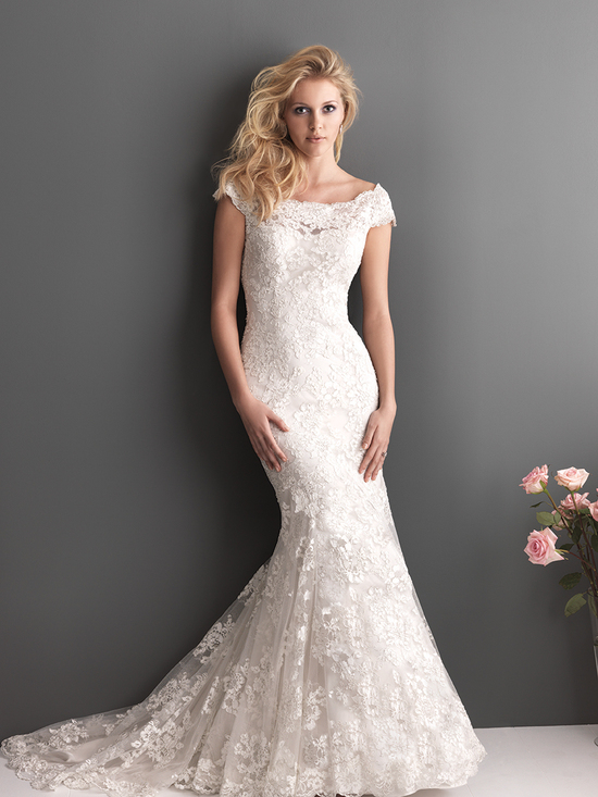 Slim Fitted Lace Gown with Off the Shoulder Sleeves