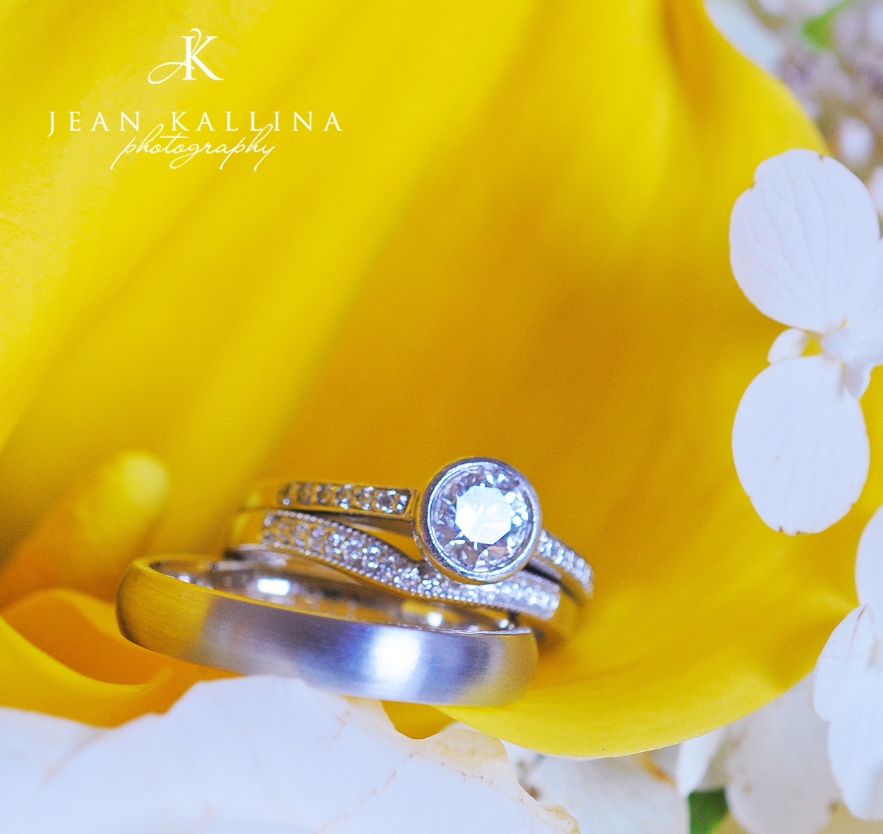 Yellow-white-wedding-flowers-pave-diamond-wedding-band.original