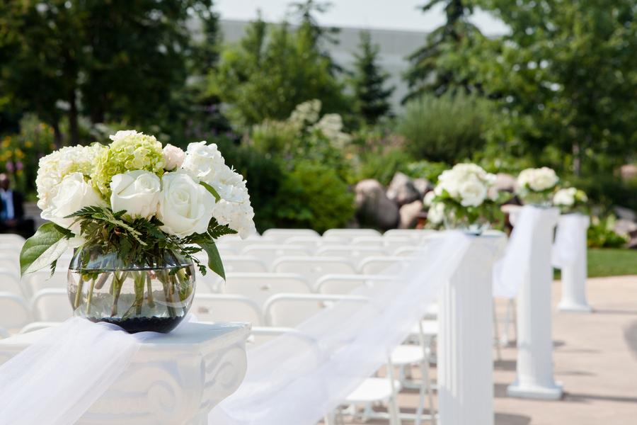 Beautiful_ceremony_decor_details.full