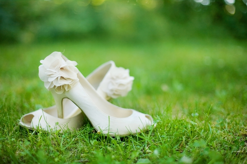 Ivory-peep-toe-bridal-heels-with-floral-detail-on-heel.full