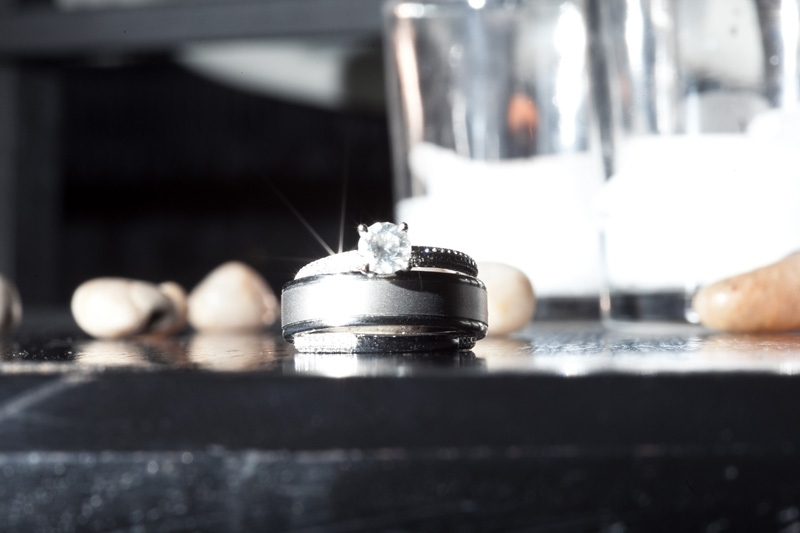 Ted-ng-artistic-wedding-ring-engagement-diamond-ring-bling-photo.full