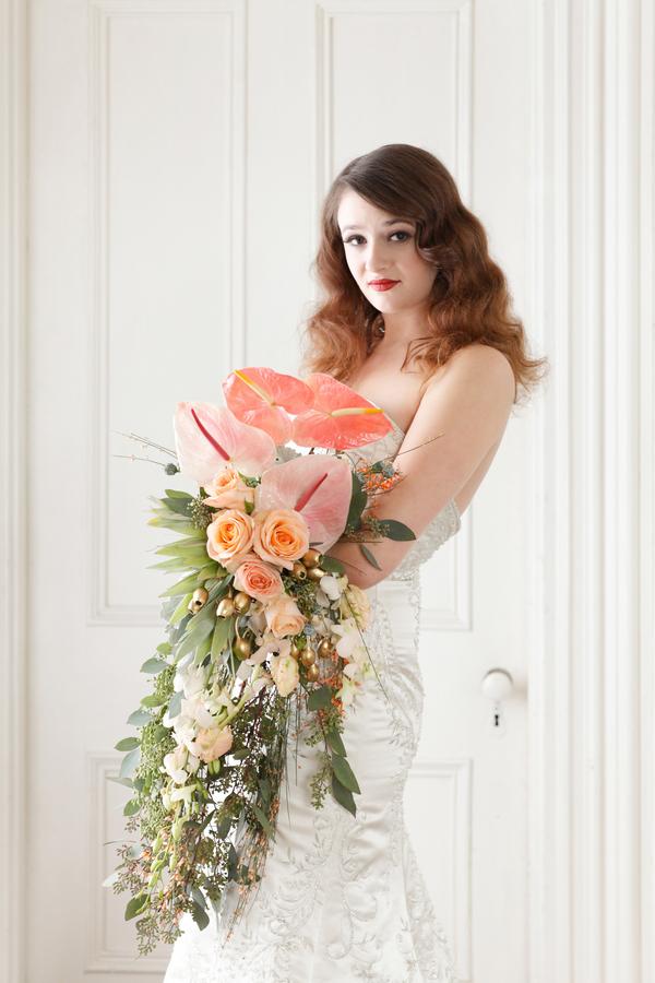 Incredibly_unique_bridal_bouquet.full