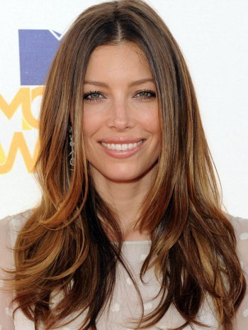 Get the look with three easy DIY steps- Jessica Biel's shiny, bouncy locks