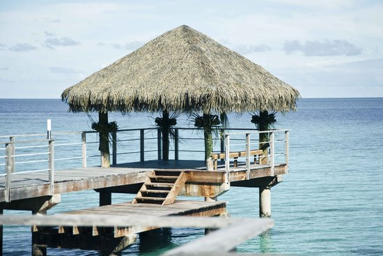 Rangiroa-Wedding-Planner-Overwater-Pontoon