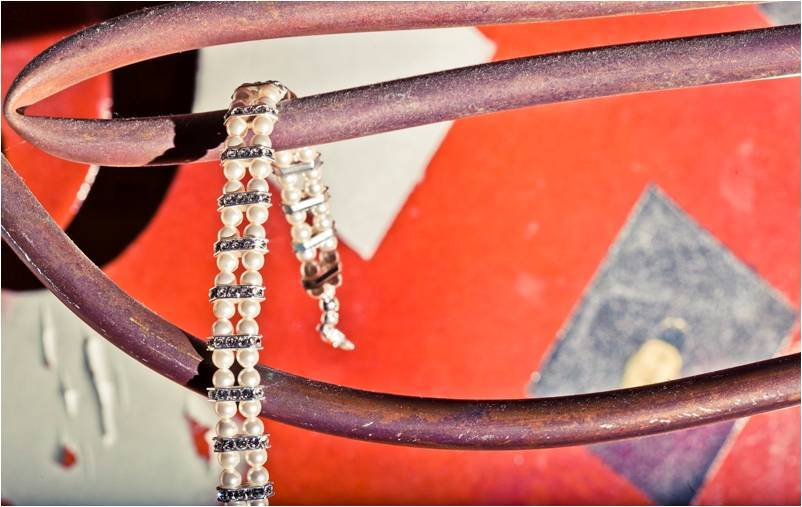 Bridal-accessories-ivory-pearls-diamond-bracelet-wedding-photo.full