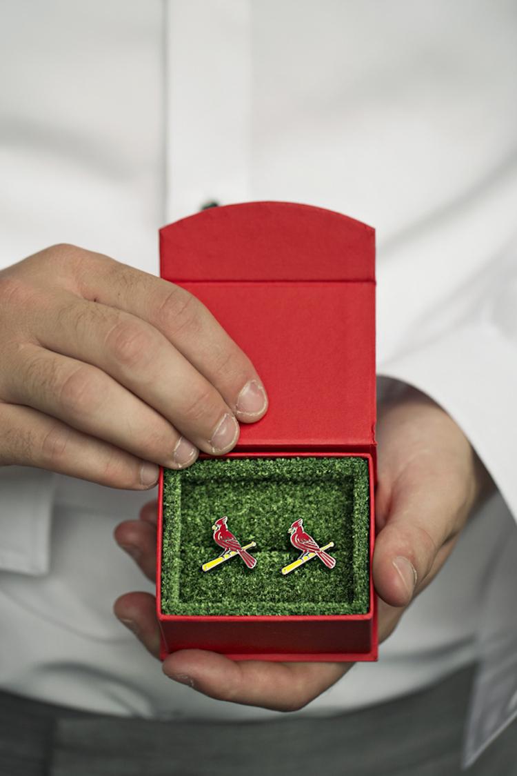 St_louis_cardinals_cufflinks.full