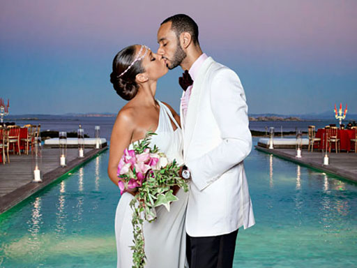 Alicia-keys-marries-swizz-beats-hip-hop-wedding-mediterranean-sea-backdrop-in-france.original
