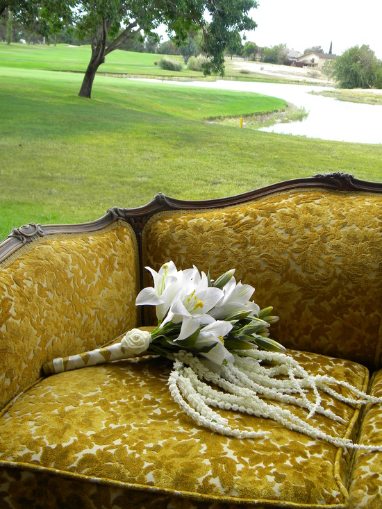 Sofa%20gold%20web3.medium_large