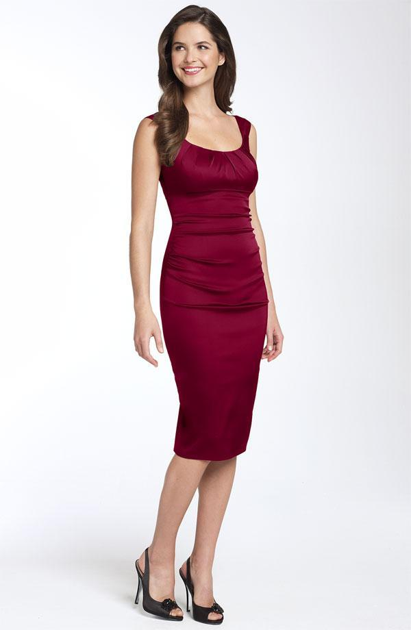 This deep red fitted scoop neck bridesmaid dress from Nordstrom is perfect for a fall wedding