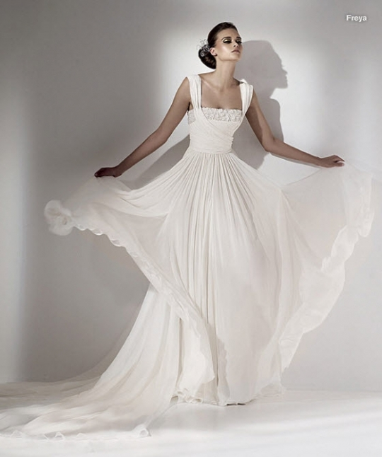 elie saab wedding dress grecian inspired flowy square neckline lace