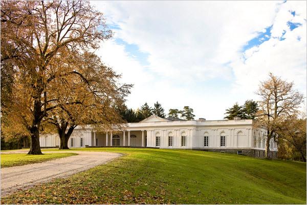 Astor-courts-wedding-venue-chelsea-clinton-wedding.full