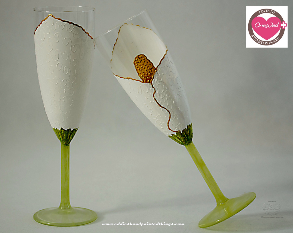 Handpainted-champagne-toasting-flutes-for-wedding-reception-white-gold-green-color-palette-3.full