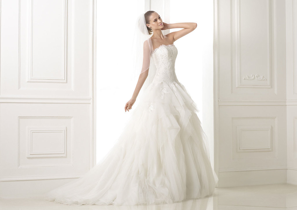 Pronovias_2015_dream_collection_beleria_gown.full