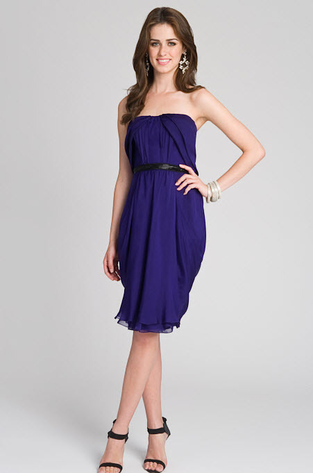 Navy blue strapless bridesmaids dress for a casual fall wedding