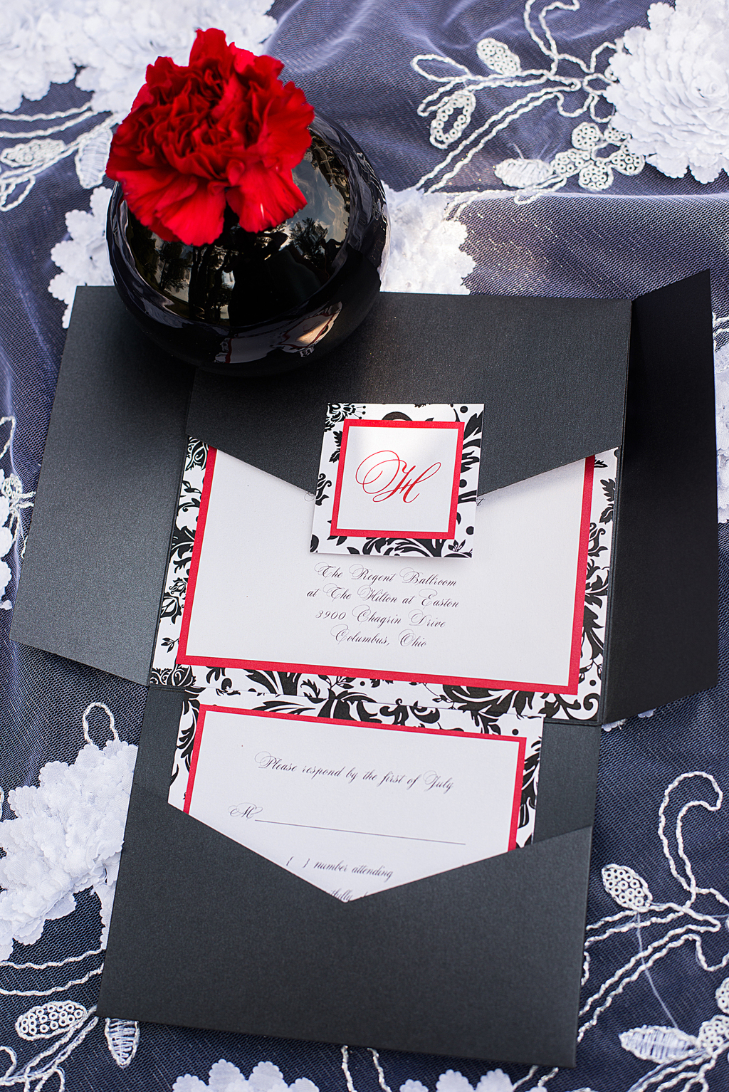 Metallic Pocketfold with Renaissance Damask Detail