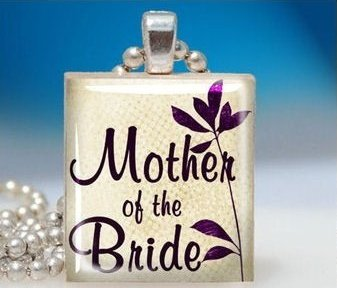 This charming mother of the bride necklace is the perfect wedding day accessory.