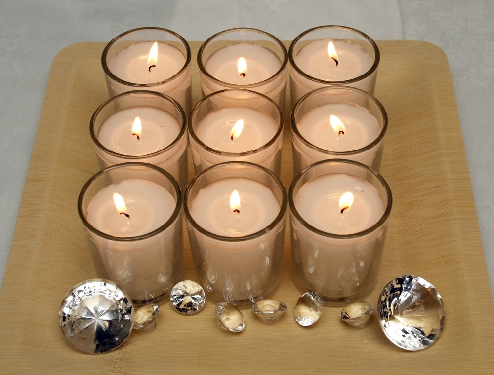 Simple-cheap-diy-wedding-reception-decor-wood-bamboo-tray-with-votive-candles-and-faux-diamonds.full